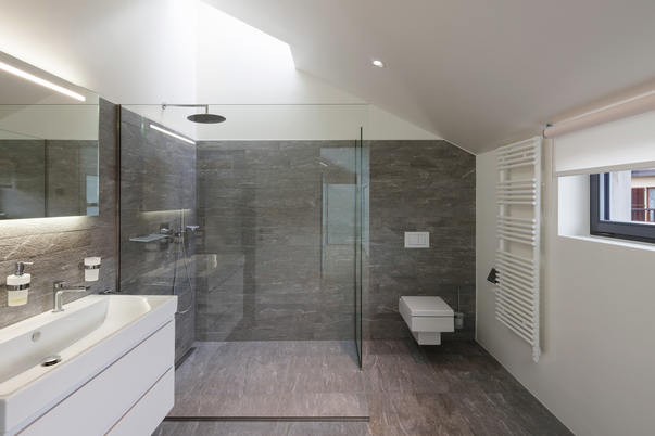 well maintained modern bathroom