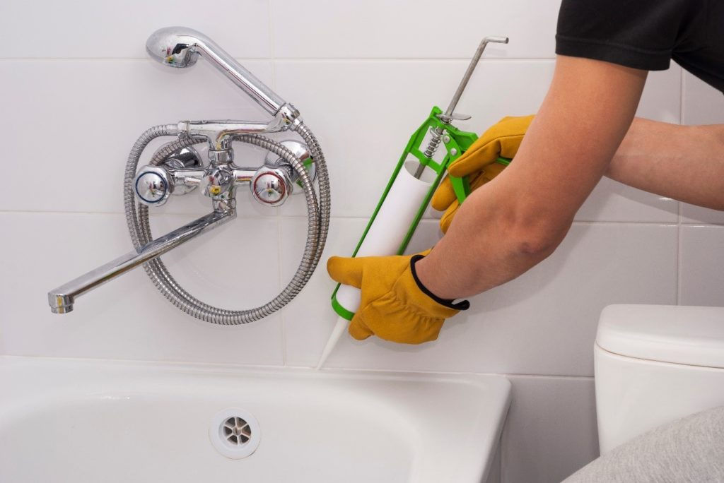 how to apply bathroom sealant